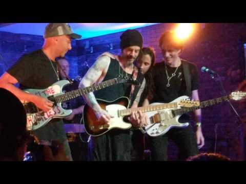 Steve Vai, Richie Kotzen, Tom Morello, Nuno Bettencourt, Stu Hamm - Voodoo Child 2017