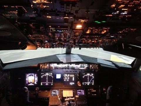 Full Flight in Boeing 737-800 NG Simulator SimInn Stuttgart