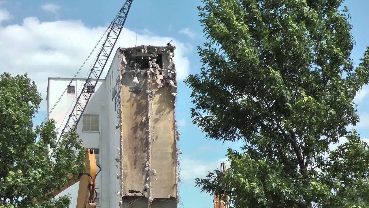 Wrecking Ball Building : Awesome power of wrecking ball smashing building apart
