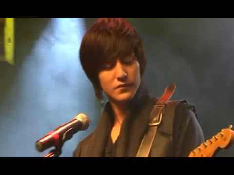 100127 Kim Bum singing in City Lovers [ still marry ,me].wmv