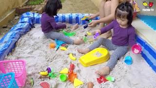 หนูยิ้มหนูแย้ม   เล่นบ่อทราย