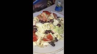 Салат с пекинской капустой и фасолью