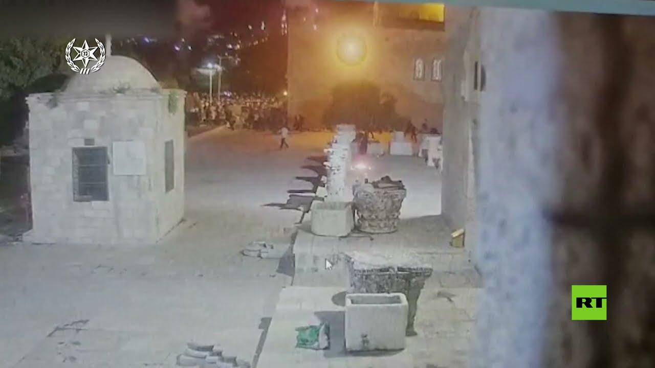 اندلاع حريق في باحات المسجد الأقصى بالقدس  - 19:58-2021 / 5 / 11
