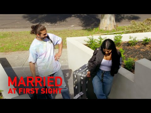 Michael and Martha's hilarious arrival home | MAFS 2019
