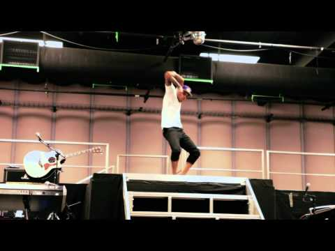 Chris Brown Dance Freestyle 'Oh My Love' (F.A.M.E Tour Rehearsal)