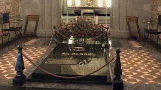 El beato Álvaro, en la cripta de Santa María de la Paz