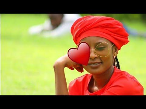KANTA WAYE_Kalli Wasu Samari da yanmata a cikin dake video 2018