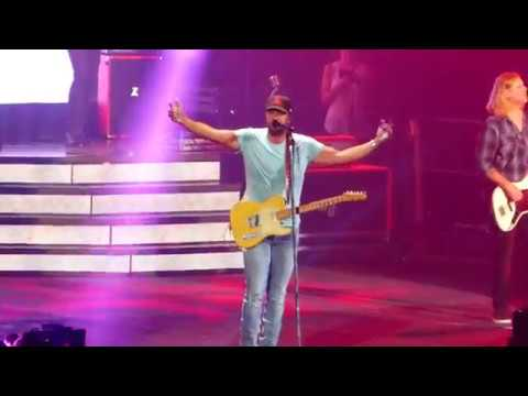 "Luke Bryan ""What Makes You Country"" Jacksonville, FL 6/22/2018"