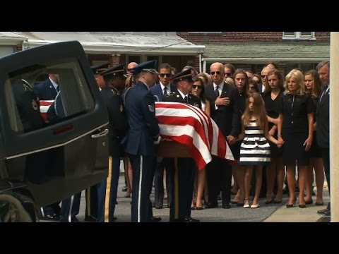 Casket arrives at Beau Biden funeral