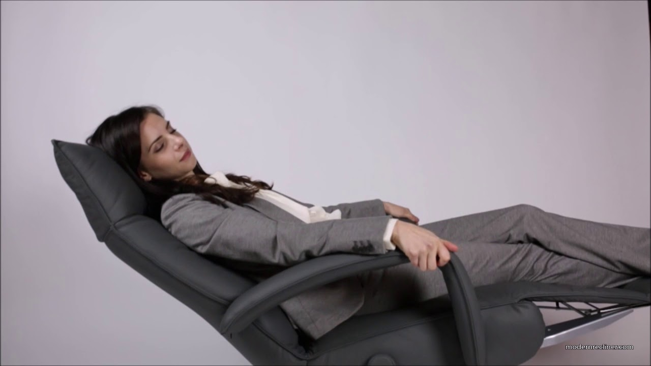 Gaga Recliner Chair By Lafer   Reclining Mechanism And Headrest Adjustments