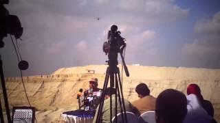 قناة السويس الجديدة: فيديو طائرة هيلوكوبتر تؤمن الحفر أعلى اللواء كامل الوزيروالصحفيين