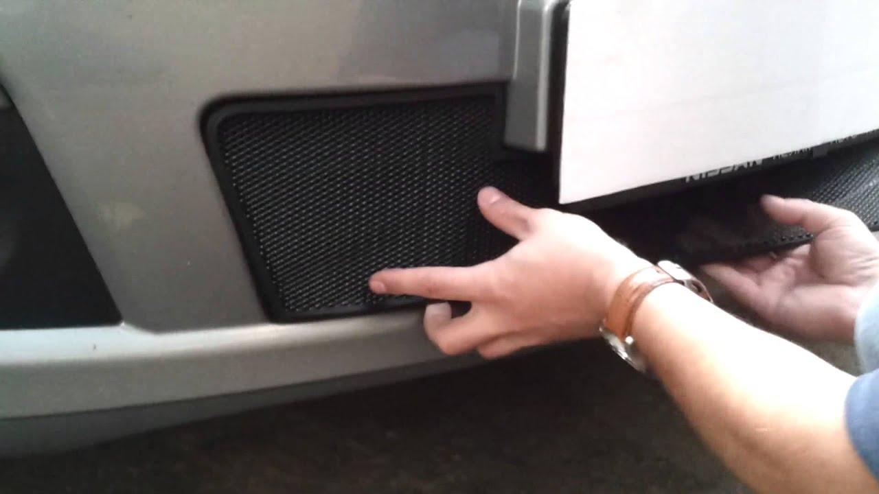 Установка защиты радиатора Nissan Tiida Решетка черная