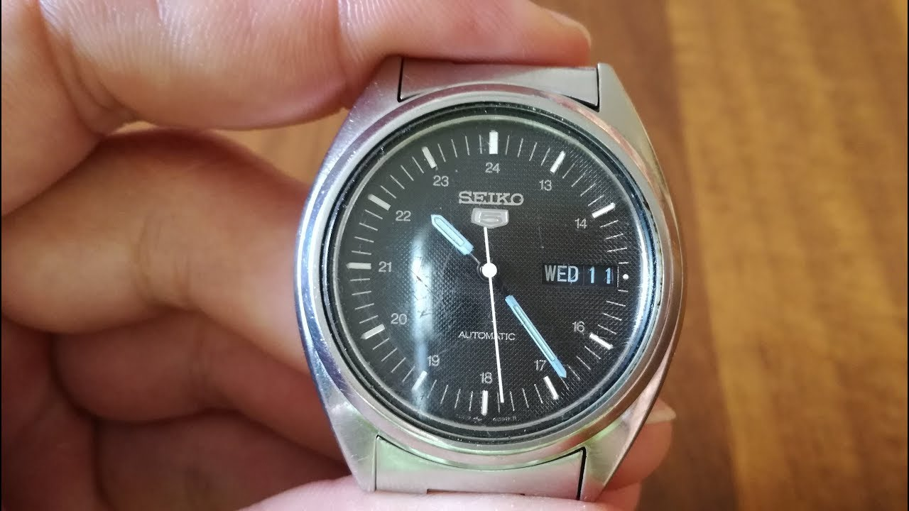 e96e9cca00d Seiko 5 7009-3040F - Vintage watch Review - YouTube