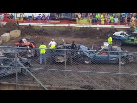 Steele County Fair Owatonna, MN Full-size mighty weld car class demo derby Aug.20th, 2017