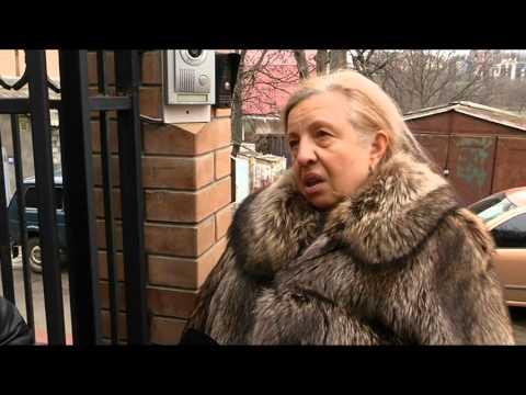 Відео, яке видаляют: істерична білявка на Рейндж Ровері-родичка Януковича?