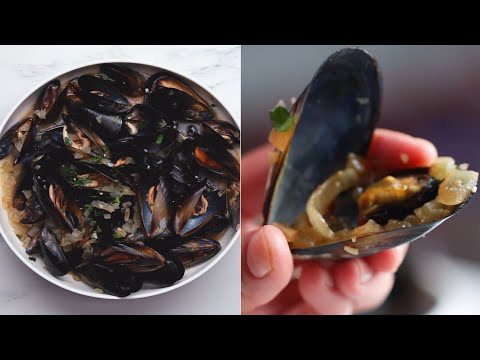 25-Minute Mussels In White Wine • Tasty