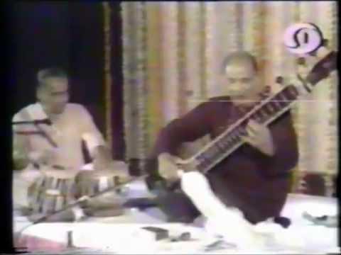Vilayat Khan The Living Legend 1/4