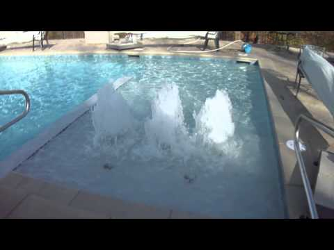 Concrete pool with foam jets