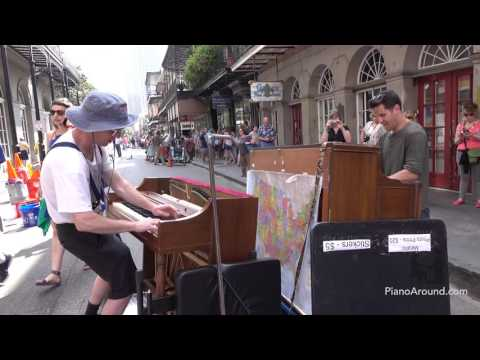 Spontaneous Dueling Piano Improvisation in New Orleans