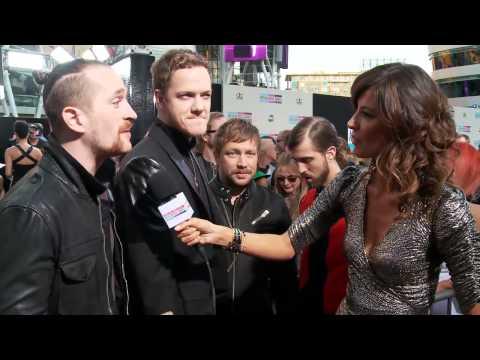 Imagine Dragons Entrevista Alfombra Roja - American Music Awards 2013