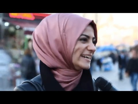 Kadınlara Sorduk: Bıyık Seviyor Musunuz? - Sokak Röportajı