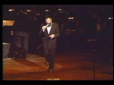 "Mordechai Ben David (MBD) Sings ""Yiboneh Hamikdosh"" at HASC #2 in 1989 - מרדכי בן דוד"
