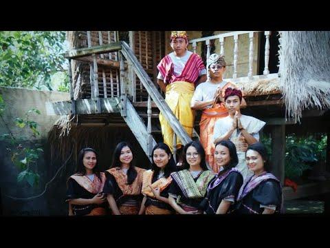 @lombok.industri pengkrajin tenun sukarara