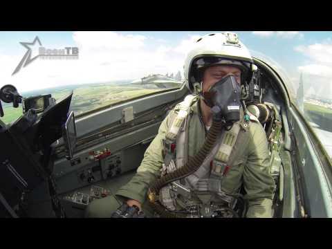 Миг-29. Видео из кабины пилота во время парада