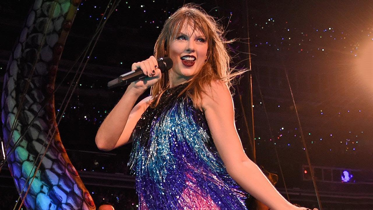 Watch Taylor Swift Trip On Stage Mid Concert And Laugh It Off Like A Pro Youtube
