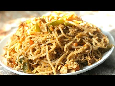 Street style egg noodles recipe spicy egg Hakka noodles recipe