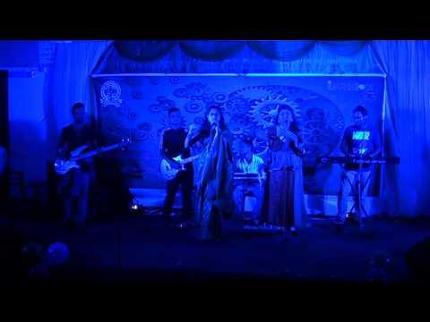 Lubna and Mou duet performance on ''ar kichu chai na mone gaan chara''