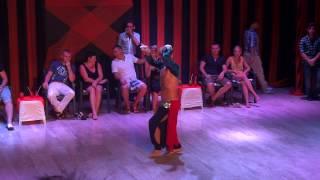 Офигенный мужской танец живота