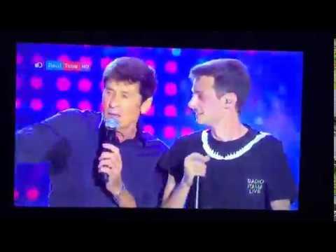 Gianni Morandi cade dal palco a Radio Italia Live Palermo