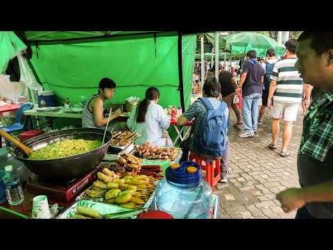 Weekend Filipino Market in Korea with Street Food ♦ Tour of Daehakno