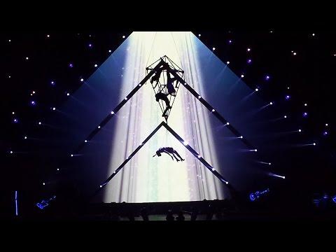 Katy Perry - ET - Prismatic World Tour Monterrey