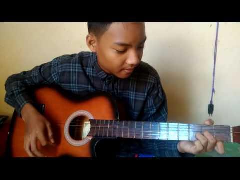 Cover lagu F.D.M - Angan, menggunakan chord dasar