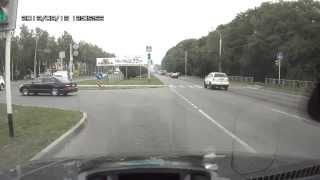 у863сн26 не выполняет предписания дорожных знаков, а т222ск26 - светофорра(, 2013-08-13T18:44:09.000Z)