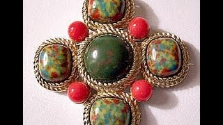 Vintage Pin Brooch Green Red Gold Maltese Mosaic Cross Rope Edge