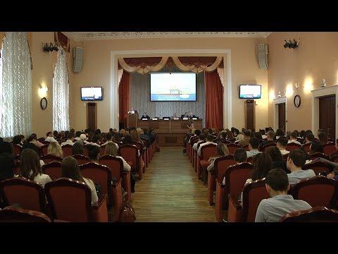 """В Ставропольском медуниверситете прошла """"Ярмарка вакансий"""""""