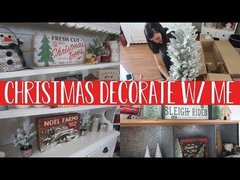 CHRISTMAS 2019 FARMHOUSE DECORATE WITH ME | RUSTIC FARMHOUSE DECOR | HUTCH DECORATING