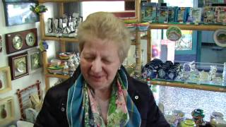 Portofino - Mini Conversation with Gift Shop Owner Lady - 06.11.2010