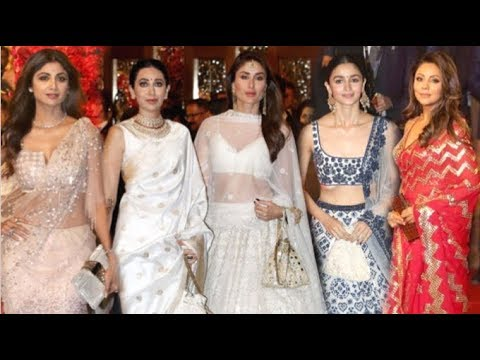 f41371f61d Bollywood Actresses HOT Look At Isha Ambani's Wedding- Kareena, Alia,  Karisma, Deepika