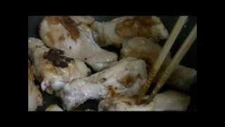手羽先の照り焼きの作り方。 材料:手羽先、片栗粉、砂糖、しょう油、み...