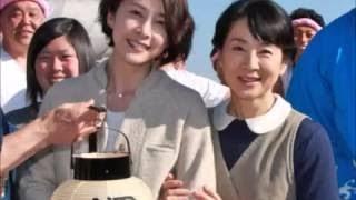 自ら企画・主演した映画「ふしぎな岬の物語」で初共演した竹内結子さん...