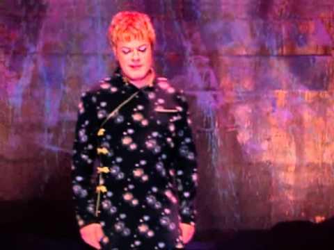 Eddie Izzard - Dress to Kill - the Heimlich Maneuver