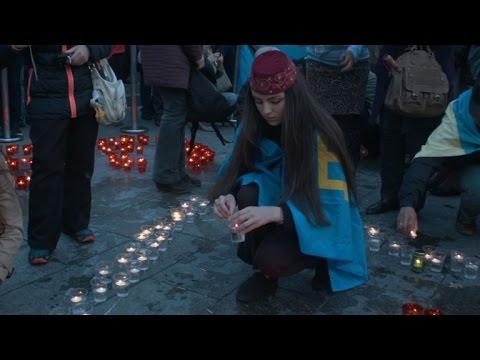 Crimean Tatars mark Stalin-era deportations despite Russian ban