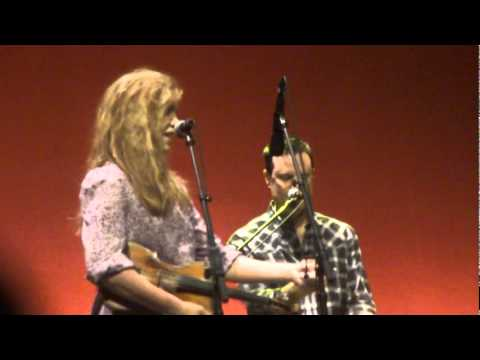 Alison Krauss & Union Station - Barry Bales introduction [Live]