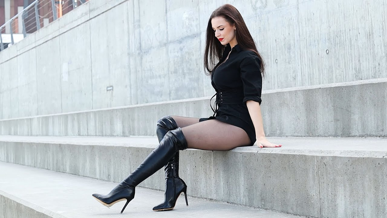 Woman wearing pantyhose with boots in public || Excinderella