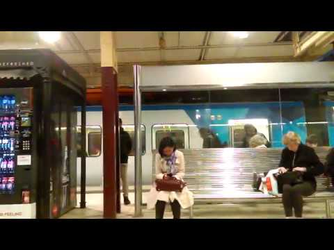 A trip up the Glen Waverley line at night: Darling to Flinders Street - Metro Trains Melbourne