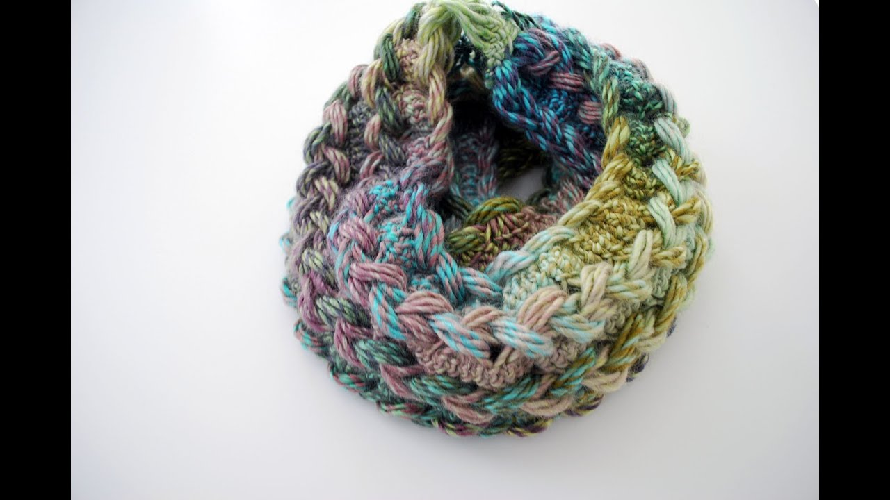 How to Crochet a Hairpin Lace Infinity Scarf - YouTube